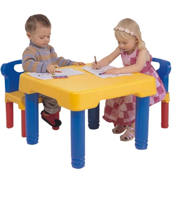 Mesita de actividades para ni os ni as con sillas for Sillas plasticas para ninos wenco